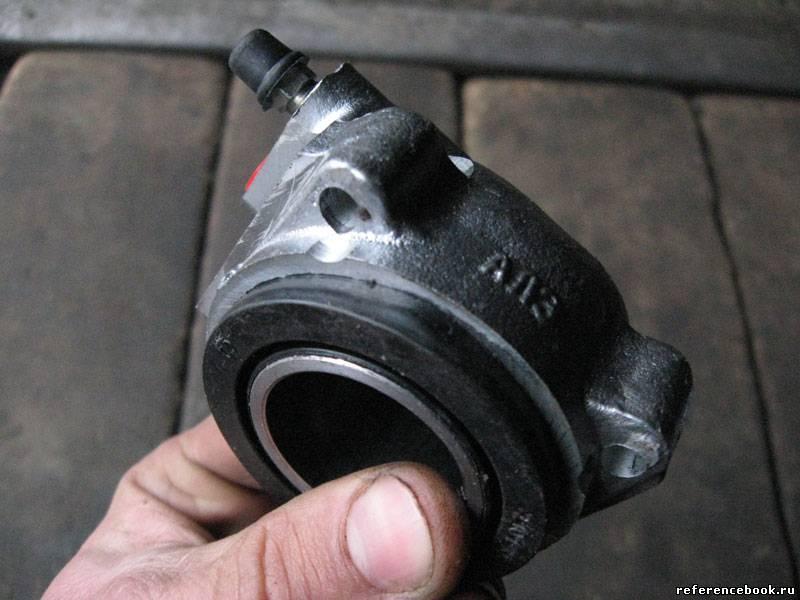 Фото №25 - замена передних тормозных цилиндров ВАЗ 2110